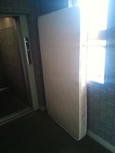 ベッド処分 東京都 町田市 原町田 ベッド回収 家電回収 家電処分 粗大ごみ回収 粗大ごみ処分 家具回収 家具処分