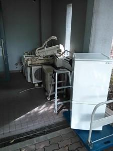 冷蔵庫回収 東京都 港区 南青山 冷蔵庫処分 引越し家電処分 引越し家電回収 引越しごみ処分 引越しごみ回収 エアコン取り外し リサイクル家電回収 リサイクル家電処分