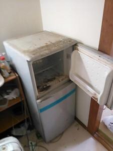 冷蔵庫処分 東京都 中野区 中央 冷蔵庫回収 家電回収 家電処分 不要品処分 不要品回収 不用品処分 不用品回収 廃品回収 単身引越し 単身引っ越し リサイクル引越し 一人暮らし引越し